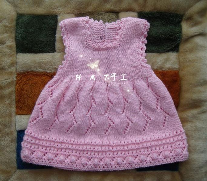 Платье малышки спицами