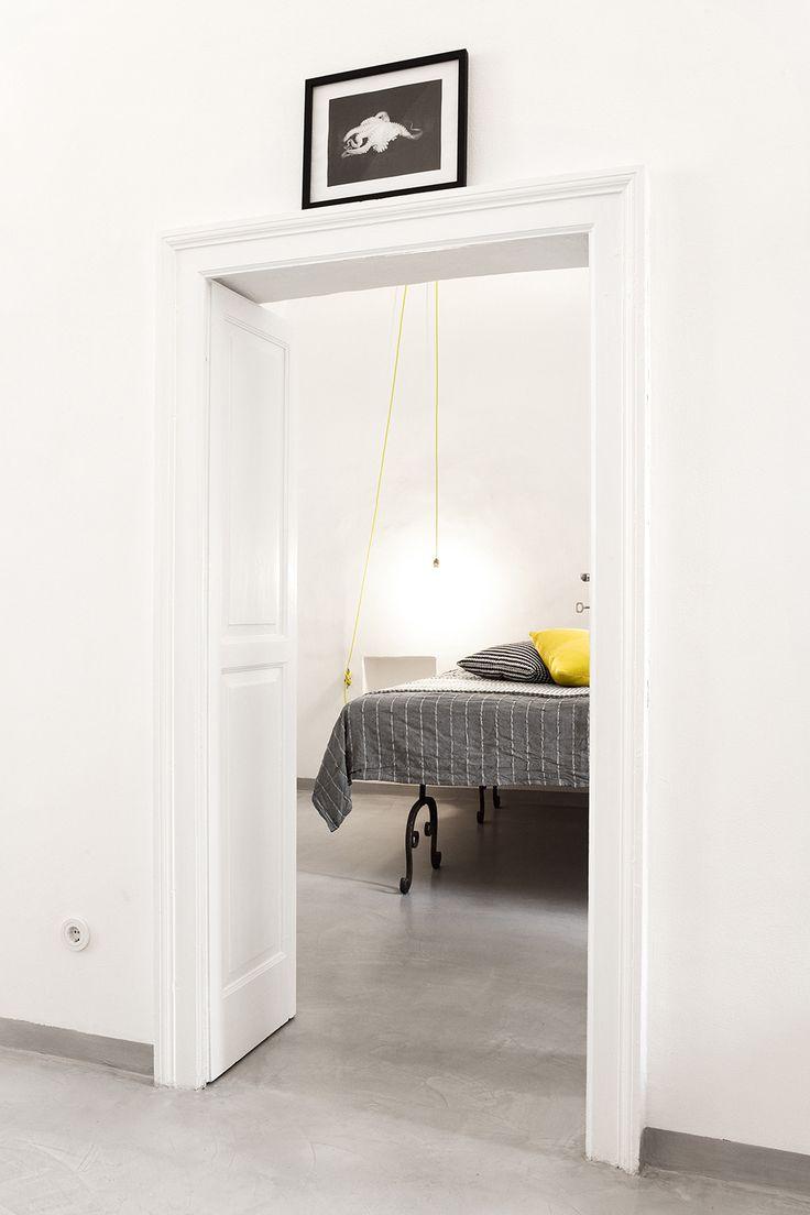 Schlafzimmer mit Kingsize-Bett.  / casapolpo.com (Ferienwohnung) CASA POLPO appartamento #italien #apulien #monopoli #puglia #italia #urlaub #ferienwohnung #casapolpo #interior