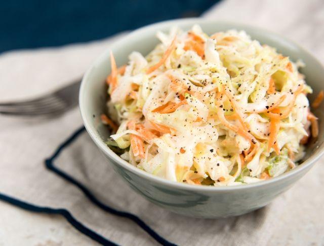 Egy finom Coleslaw saláta (amerikai káposztasaláta) ebédre vagy vacsorára? Coleslaw saláta (amerikai káposztasaláta) Receptek a Mindmegette.hu Recept gyűjteményében!