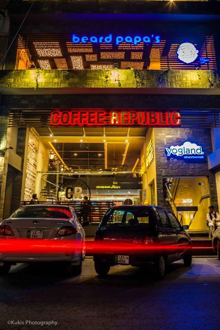 Coffee Republic & Beard Papa's & Yogland by Architects Inc, Lahore - Pakistan