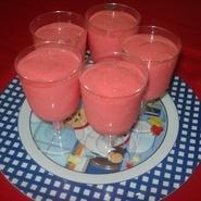Postre de gelatina, yogurth y queso crema light ;)