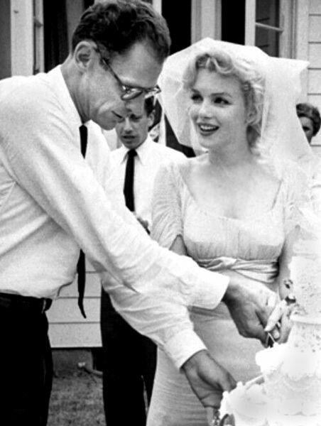 Monroe andArthur Millerat their wedding inWestchester Countyon June 29, 1956.