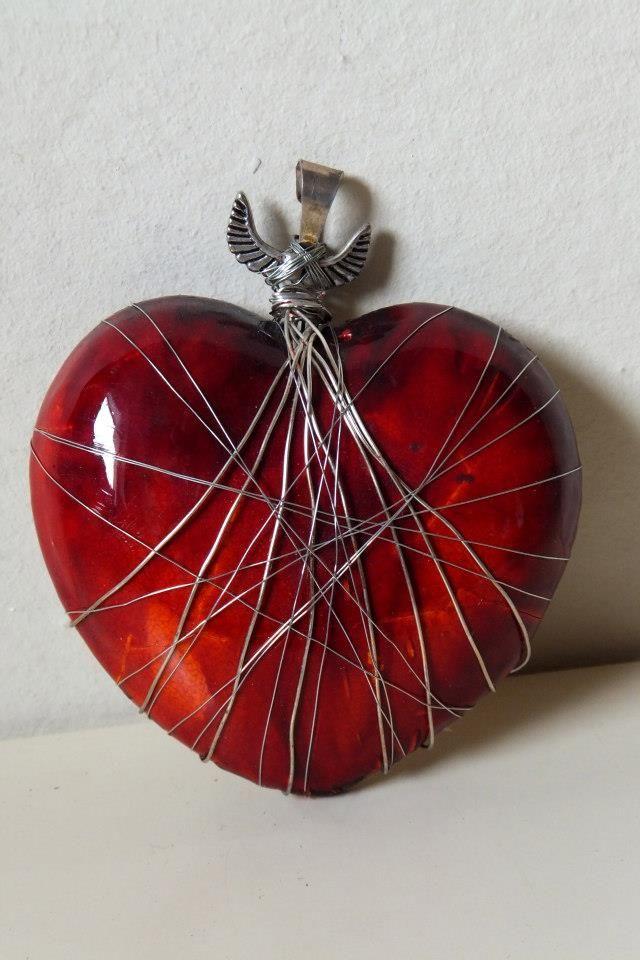 Ceramiczny wisior w kształcie serca/ Ceramic heart- shaped necklet