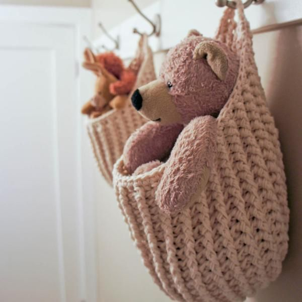 Hanging Storage Pouch-LOVE these!