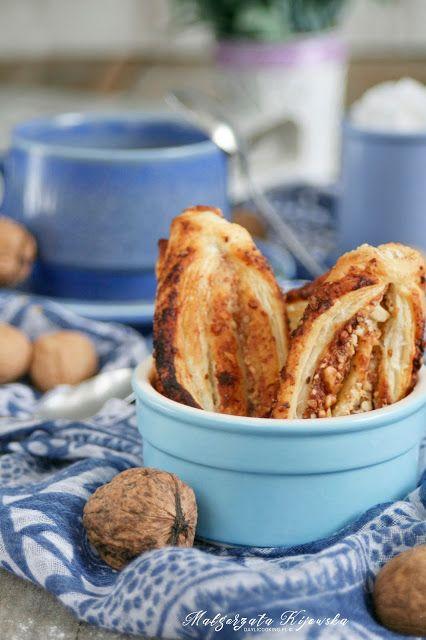 Ciastka francuskie z włoskimi orzechami i miodem