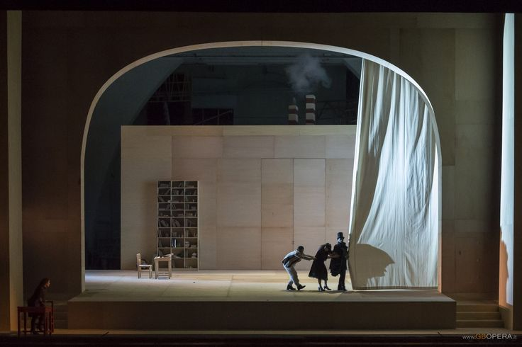 Gluck's Il Trionfo di Clelia from the Stagione Iirica, Teatro Comunale Bologna in 2013. Production and sets by Nigel Lowery.
