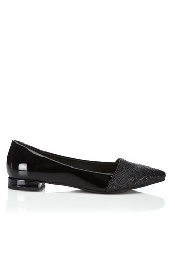 Black Pointed Flat Ballerina Shoe