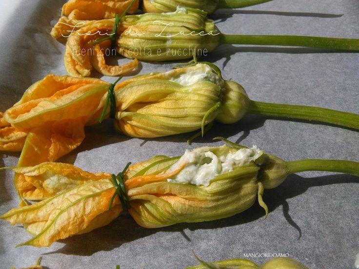 Fiori di zucca ripieni con ricotta e zucchine http://www.mangioridoamo.com/2016/06/25/fiori-di-zucca-ripieni-con-ricotta-e-zucchine/