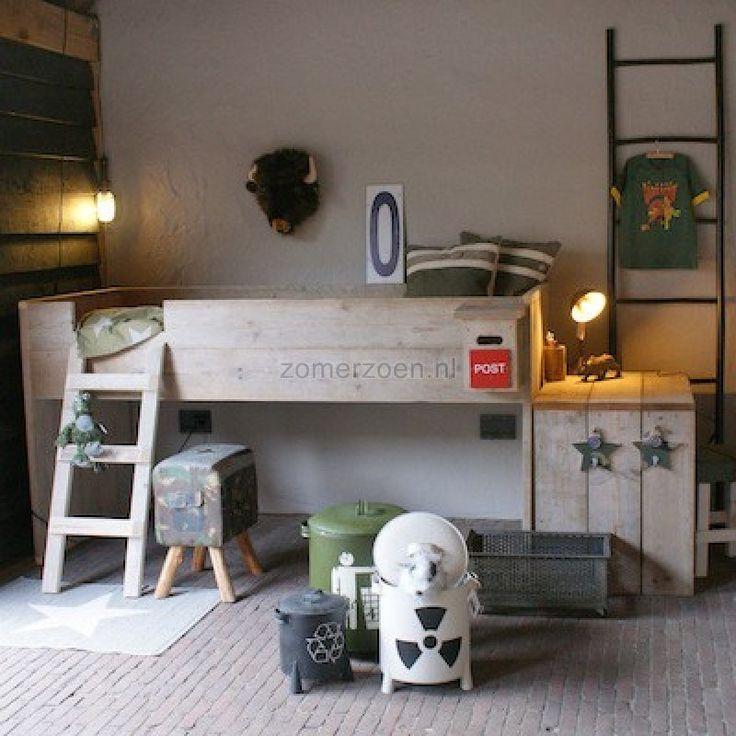 Op zoek naar een halfhoogslaper met bureau? | Mika | | Zomerzoen.nl