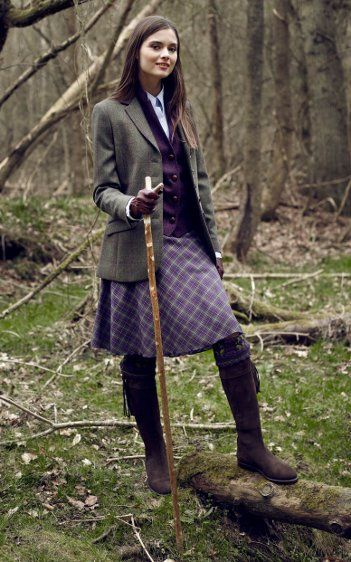 Change the boots to wellies and I would totally wear this...even to go hiking!!
