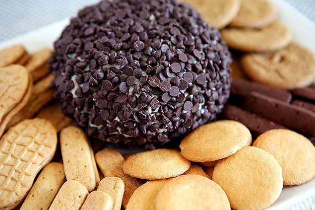 Chocolate Chip Cheese Ball | Cheese Ball Recipes