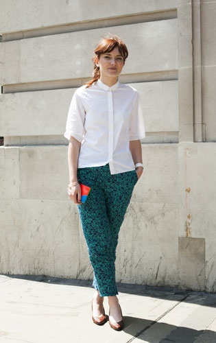 The chic way to tackle this summer?s mega printed pants trend is with a minimalist?s eye. The bold pattern and teal hue of Eilsa Duncan's Cos trousers are statement enough...