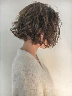 シマ キチジョウジ プラスワン(SHIMA KICHIJOJI PLUS1)[SHIMA/安藤圭哉] くせ毛風パーマ×切りっぱなしボブ