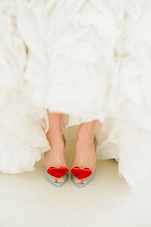 """ハートにきゅん♡""""Vivienne Westwood""""のウエディングパンプスが可愛すぎ♡にて紹介している画像"""