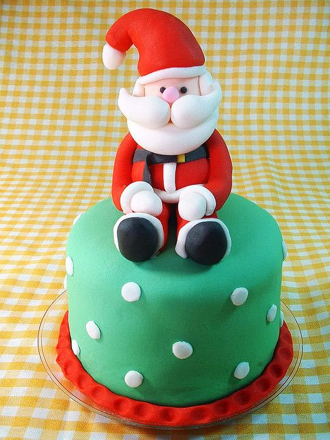 Christmas Cake Decoration Santa : 25+ best ideas about Fondant Christmas Cake on Pinterest ...