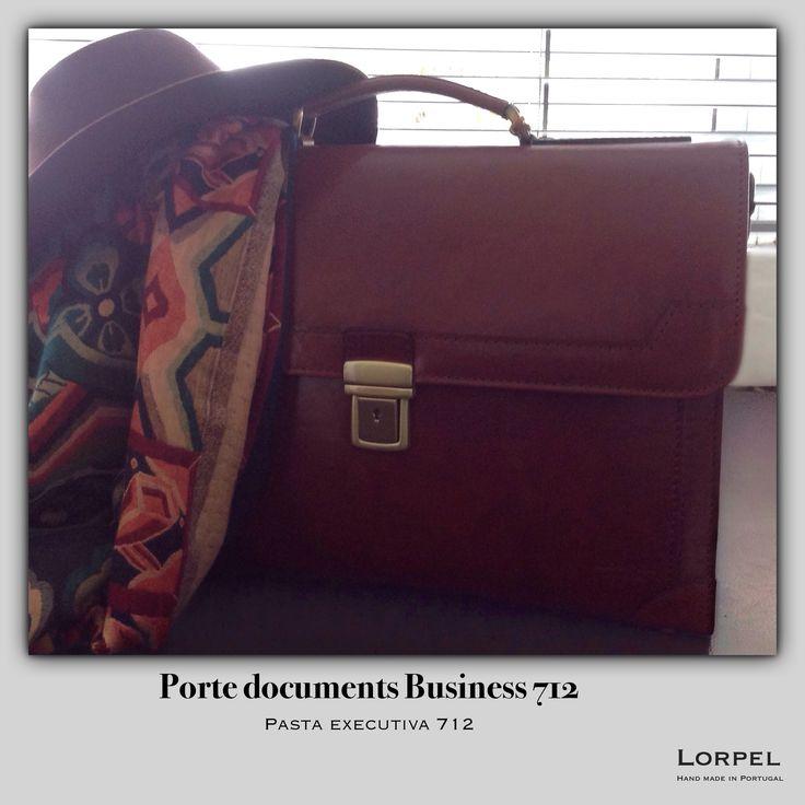 Autumn colours and textures  Porte documents Business 712  www.lorpel.pt  #lorpel