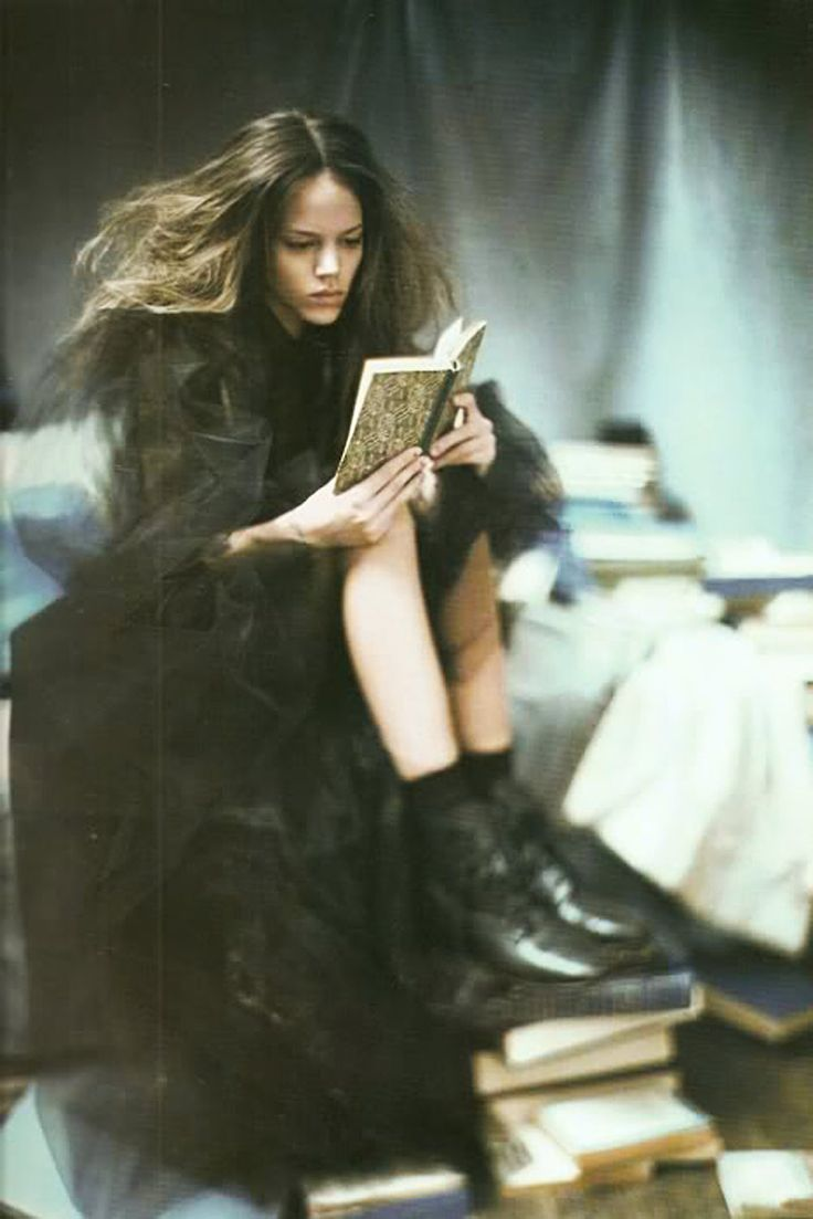 Fashion Model Freja Beha Erichsen reading,