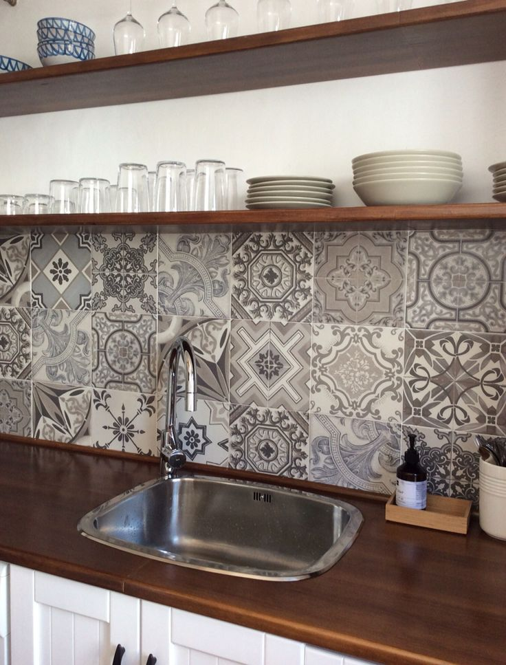 Playa Granada beach appartment kitchen. Tiles Vintage Bestile
