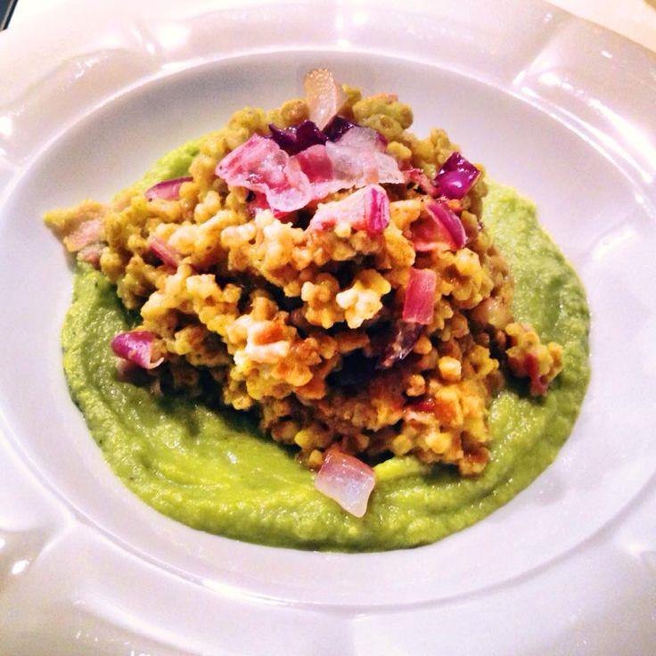 @Cookerfeed Farro perlato con curcuma e speck affumicato su crema di broccoli #farro #curcuma #speck #broccoli