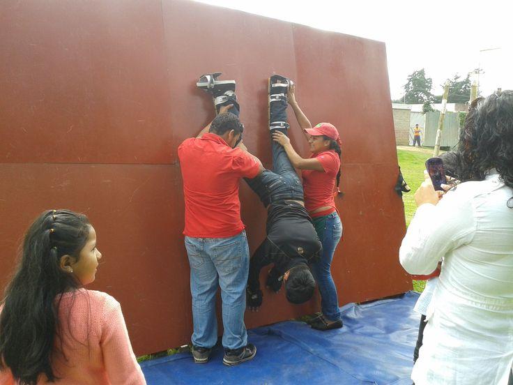 Nuestra divertida Pared Magnética donde podrás hacer piruetas.  www.laferiamagica.com