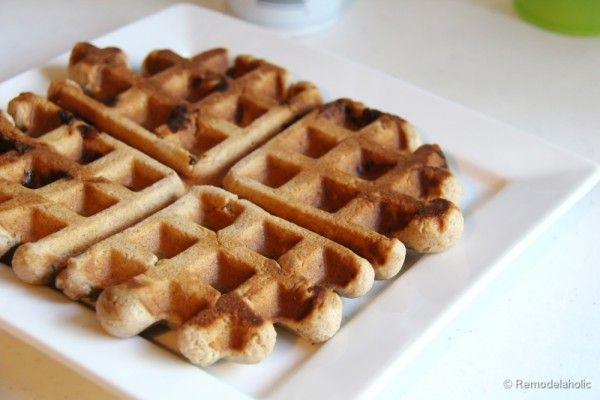 Delicious and Easy Belgian Waffles #recipe #breakfast #waffles