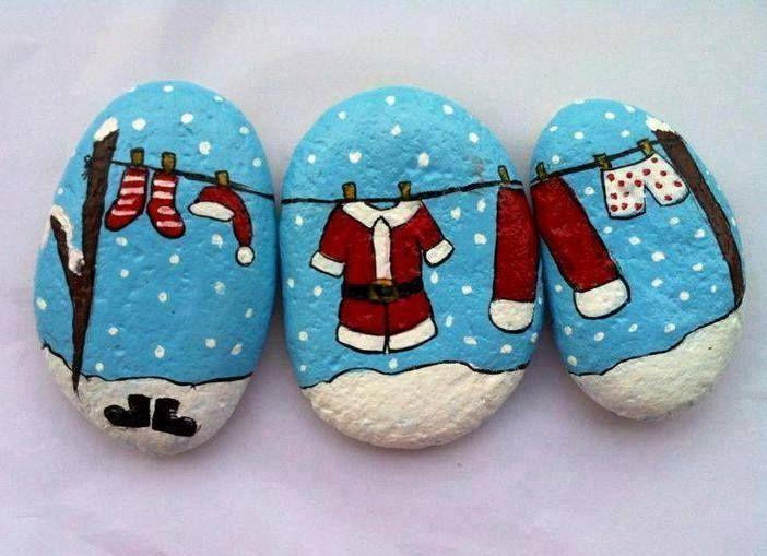 Christmas Painted Rocks Ideas 24