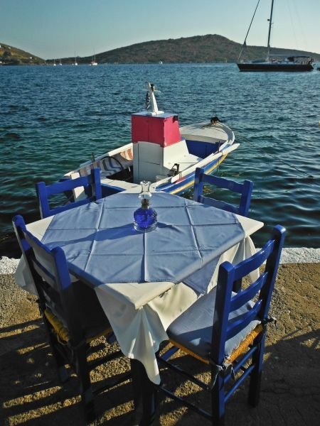 Table at the port