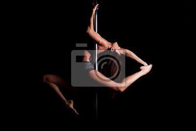 """Canvas eller Poster """"övning, praktiken, träningspass - sexig pol dansare i mörk miljö"""" ✓ Enkelt montage ✓ 365 dagars öppet köp ✓ Se andra mönster från kollektionen!"""