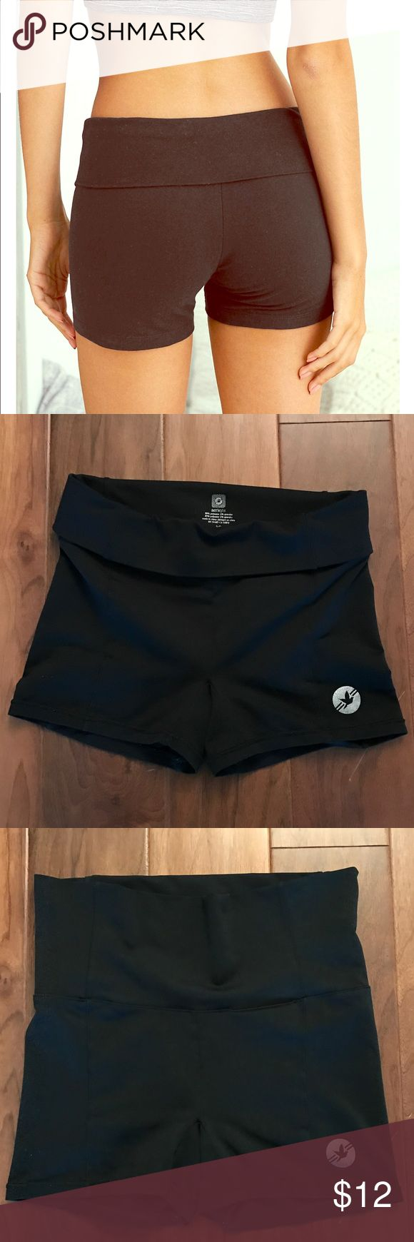 aerie fit fold over black stretch shorts, small aerie fit fold over black stretch shorts, size small. Super stretchy and comfy for working out or lounging. Inseam measures 3.5 inches. aerie Shorts