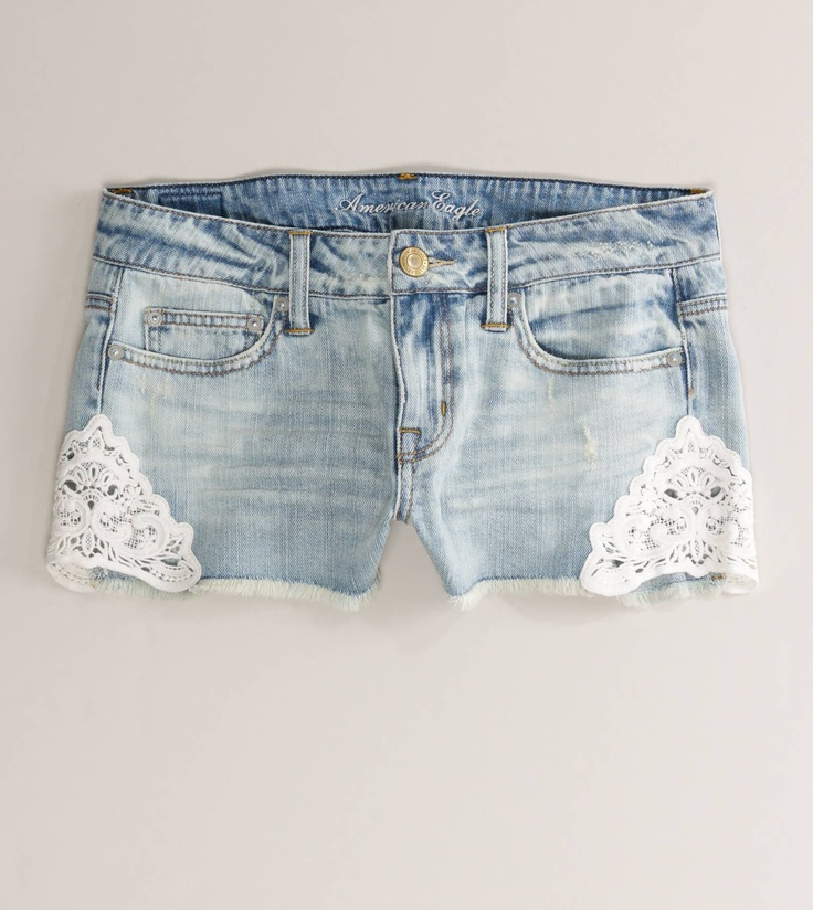 YES! Denim shorts with triangular doilies on them! SO cute :)