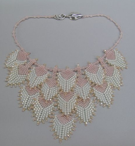 Pink Petals necklace by Sally Shore Bijoux. Peyote stitch.