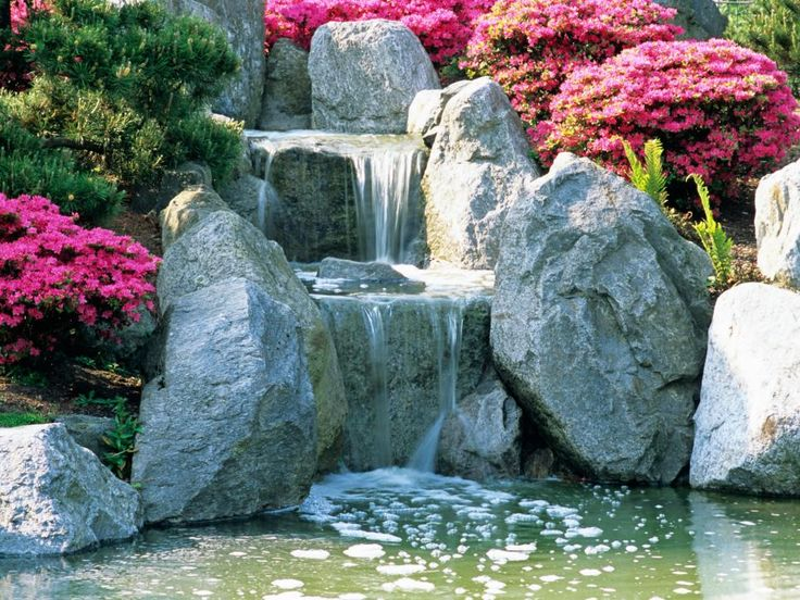 Inspirational Designers of Japanese gardens are adept at selecting elements and planting carefully and staging scenes