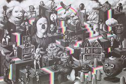 Close-up van een poster met een labyrint met surrealistische en speelse wezens zoals een varkenskop met mensenogen, een bodybuilder met een konijnenkop en honden met een dievenmasker.