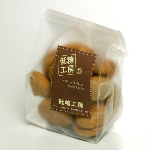 低糖工房 糖質オフチョコクッキー(糖質2.6g)【糖質制限中・ダイエット中の方に】 糖質制限パン・スイーツの『低糖工房』 http://www.amazon.co.jp/dp/B00DYHLFVO/ref=cm_sw_r_pi_dp_j2Hkwb0TSE3ZG