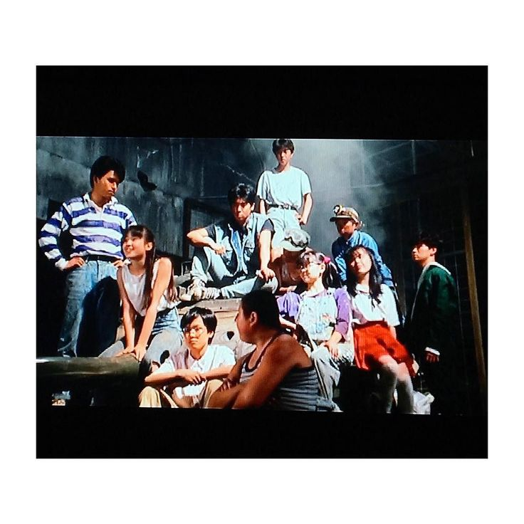 . . ぼくらの七日間戦争を鑑賞 . まぢのスギちゃんみたいな かっこの子やみなハイウエストの ケミカルウォッシュジーンズ そしてローラースケートにスケボー . 本嫌いな小学生だったけど 宗田理とかいけつゾロリだけは 読み切った笑 . #宗田理#ぼくらの七日間戦争#映画#Movie#90s#90年代#宮沢りえ#かわいすぎる . #古着屋mellow #vintagestore #古着 #vintage #mellowwomens #古着屋#西葛西#usedclothingmet#古着女子#レディー古着#mellow_coo#vintagestyle