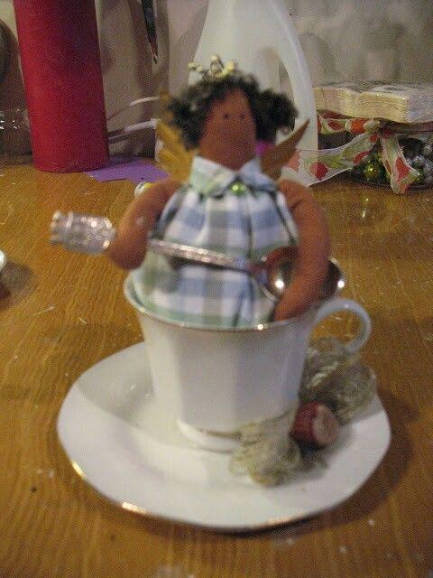 Kahvikuppi enkeli