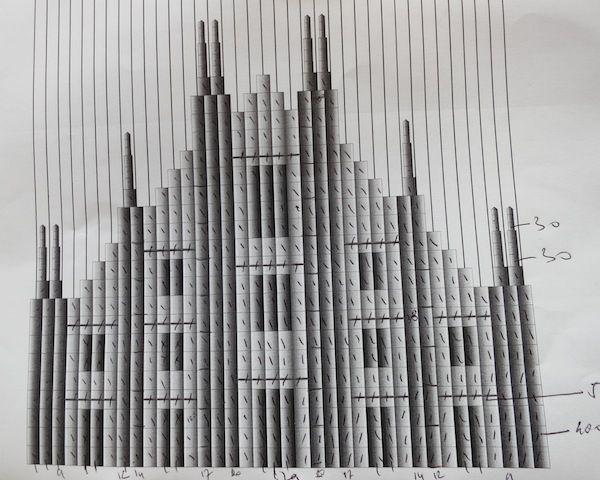 con questo progetto #UrosMihic all' #expogate plasma degli #origami per costruire il modello del #DuomodiMilano #expo2015 #raiexpo