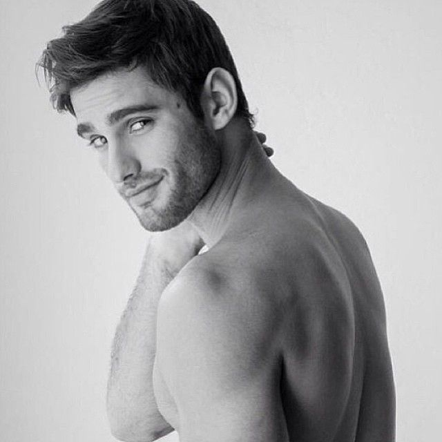 Ricardo Baldin I don't know who you are but I want you in my bed.