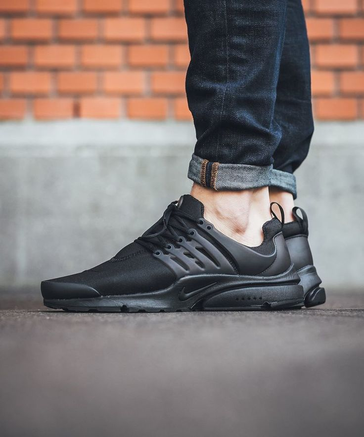 "Nike Air Presto Essential ""Triple Black"""