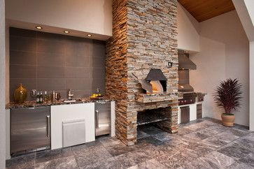 Outdoor Pizza Oven - a little extravagant for what we want but beautiful