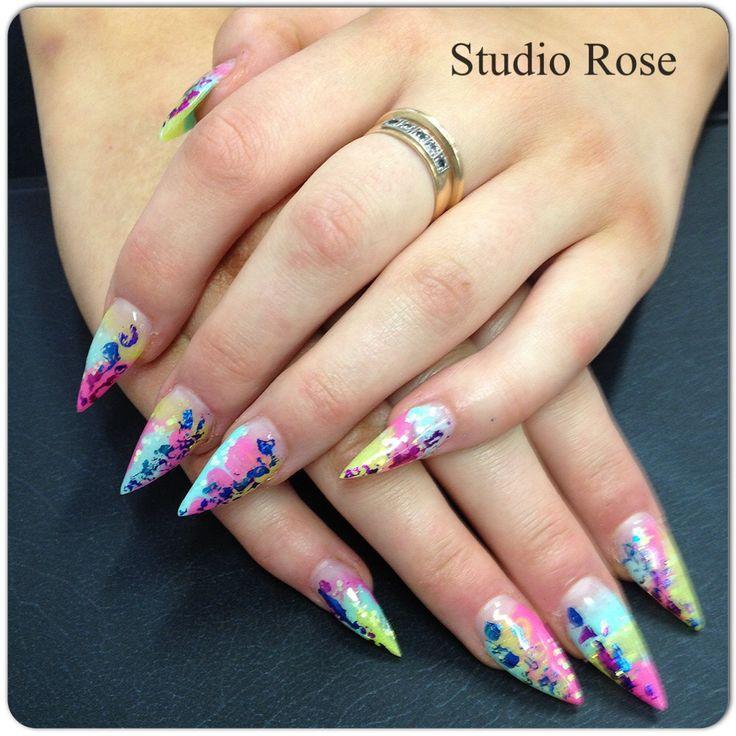 LCN - Värikkäät stilettikynnet - colorfull nails