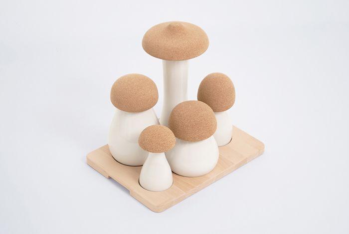 Recipiente pentru bucătărie sub forma ciupercilor albe, românești