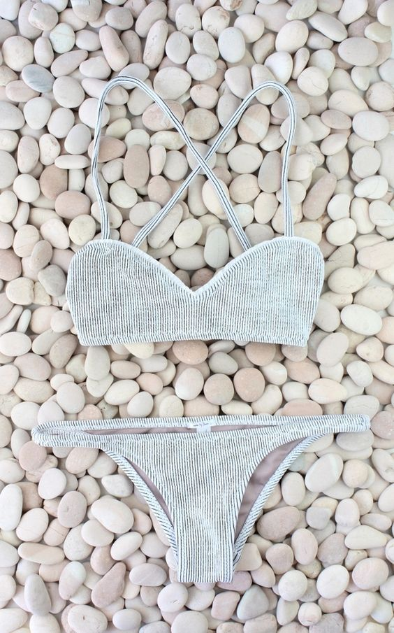 Beach & holiday fashion I cream striped bikini l classic two piece bathing suit I must have @monstylepin