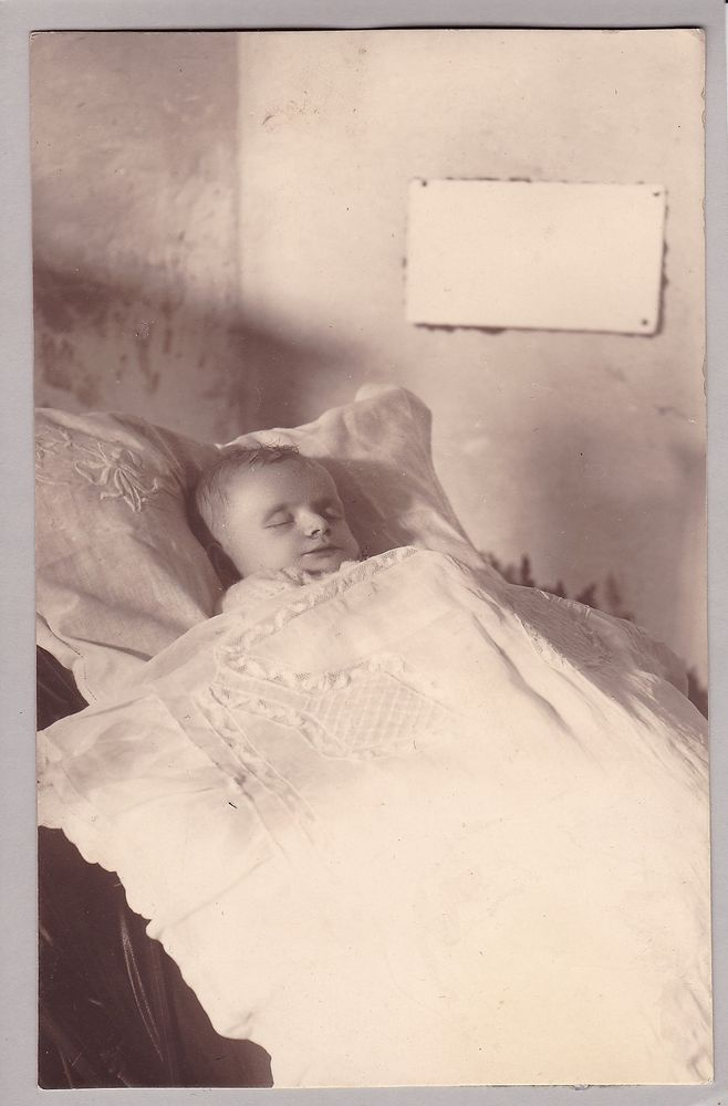 Antique Post-Mortem Photograph Of Baby - Funeral - Mourning - Memento Mori