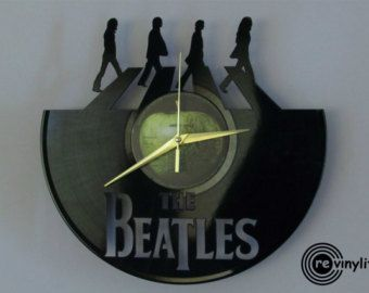 Die Beatles-Uhr Wanduhr John Lennon The Beatles Abbey von Revinylit