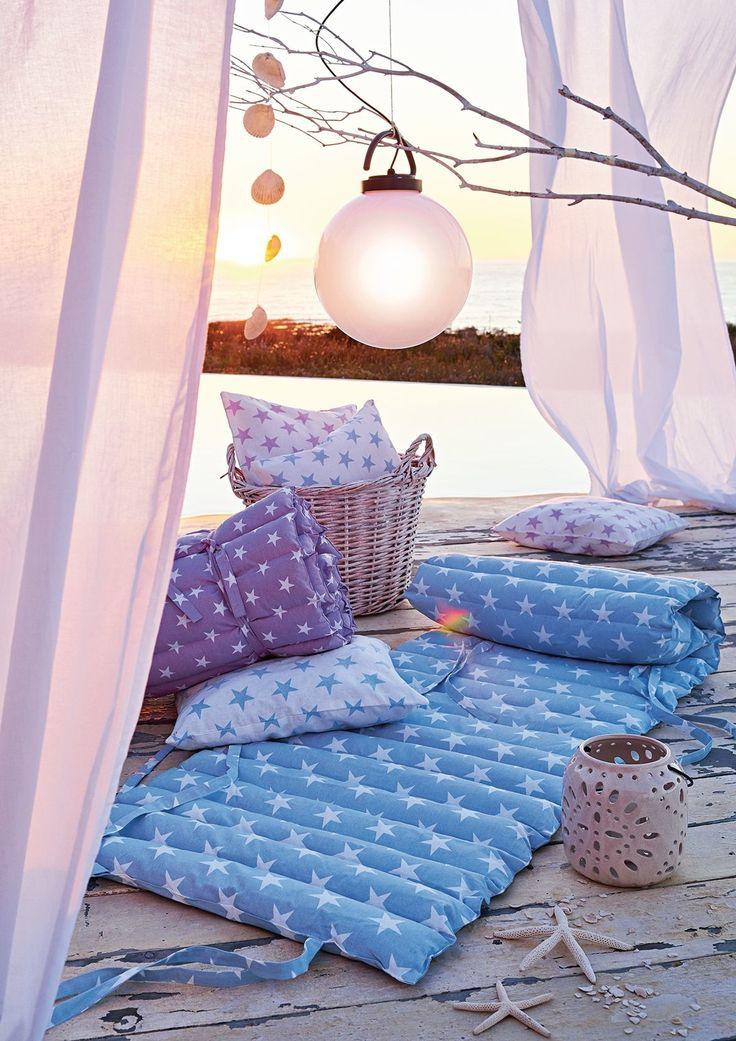 Ihr gemütlicher Platz an der Sonne, zum Träumen und Lesen: zusammenrollbare Matte, die sich leicht mitnehmen lässt.