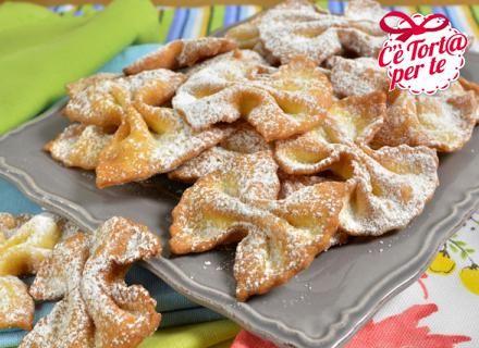 Farfalline fritte di #Carnevale, stuzzicano il palato e mettono allegria...