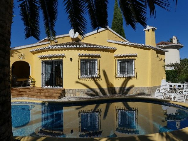 Beautiful Els Poblets fully insulated and temperature controlled home within walking distance of Denia's beaches for sale http://www.hamiltonsoflondon.net/property/43690/villa/sale/spain/els-poblets/els-poblets/ #houseforsale #villa #Mediterranean #costablanca