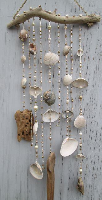 Weiß / Gold DRIFTWOOD Mobile, Windspiel, Suncatcher aus Muscheln, Perlen, Hanf