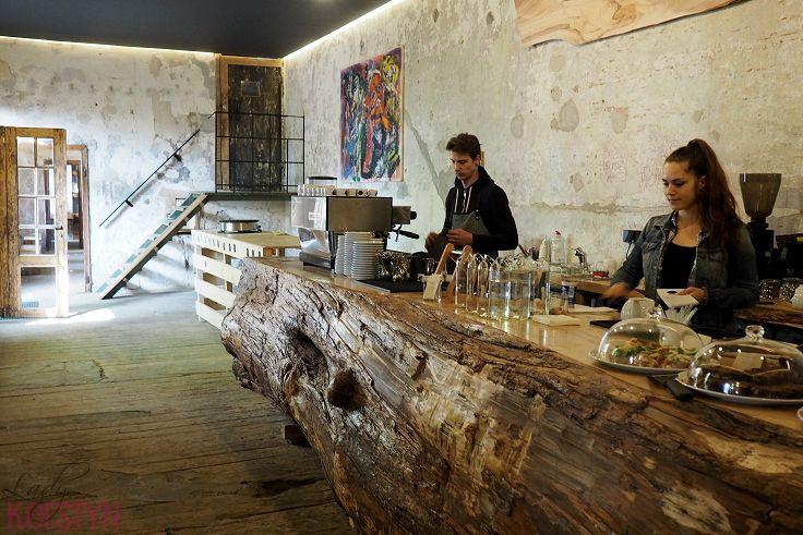 Spotted by Lady Kerstyn   #kavarnacohledajmeno #coffee #coffeehouse #cafe #café #interior #DIY #handmade #reconstructed #wood #recycling #upcycling #cozy #interior #interiordesign #insidedecor #kavárna #káva #wood